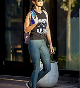 Megan_Fox_-_At_The_Streets_and_Parks_of_New_Orleans_-_May_2900005.jpg