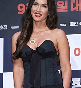 Megan_Fox_-_At_a_press_conference_for__Battle_Of_Jangsari__in_Seoul2C_South_Korea_-_August_212.jpg