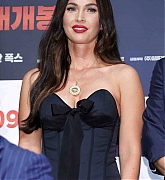 Megan_Fox_-_At_a_press_conference_for__Battle_Of_Jangsari__in_Seoul2C_South_Korea_-_August_215.jpg