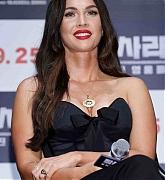 Megan_Fox_-_At_a_press_conference_for__Battle_Of_Jangsari__in_Seoul2C_South_Korea_-_August_216.jpg