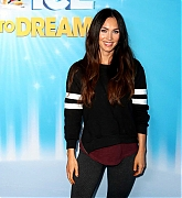 Megan_Fox_-_Disney_On_Ice_Presents_Dare_in_Los_Angeles_12142018-01.jpg
