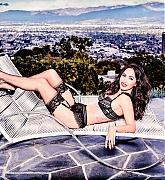 Megan_Fox_-_Frederick_s_of_Hollywood_Photoshoot_2017-02.jpg