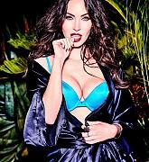 Megan_Fox_-_Frederick_s_of_Hollywood_Photoshoot_2017-04.jpg