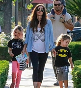Megan_Fox_-_Out_In_Calabasas_with_her_kids2C_04262019-01.jpg