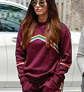 Megan_Fox_-_shopping_with_friends_in_Calabasas2C_04272019-01.jpg