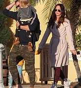 Megan_Fox_and_Brian_Austin_Green_-_take_their_kids_to_Color_Me_Mine_in_Los_Angeles_02172019-01.jpg