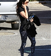 Shopping_in_Malibu_Country_Mart_with_Brian_-_January_2500004.jpg
