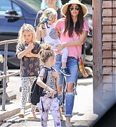 Spends_Mother_s_Day_with_her_kids_in_Calabasas2C_0512-01.jpg