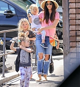 Spends_Mother_s_Day_with_her_kids_in_Calabasas2C_0512-05.jpg