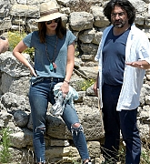 Visits_Troy_Ancient_City_for_her_new_Mysteries_and_Myths_with_Megan_Fox_documentary__28329.jpg
