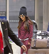 arrives_in_Toronto_to_begin_working_on_her_new_film_Big_Gold_Brick_May_22-02.jpg